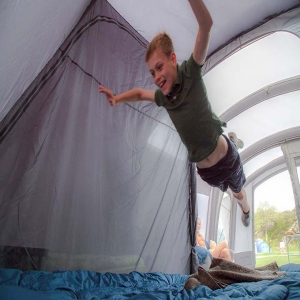 Jumping into the weekend like... 😀  #camping #love #tent #awning #chilltime #adventure #love #instagood #happy #picoftheday #vango #friends #bestfriends #family #campingrecycled #campingfood #campinggear #campingessentials #camp2018 #campingtrip #campingwithpets #campingwithkids #campingwithdogs #campingseason #wildcamping #campingfun #adventure #outdoors #getoutdoors #campingalone